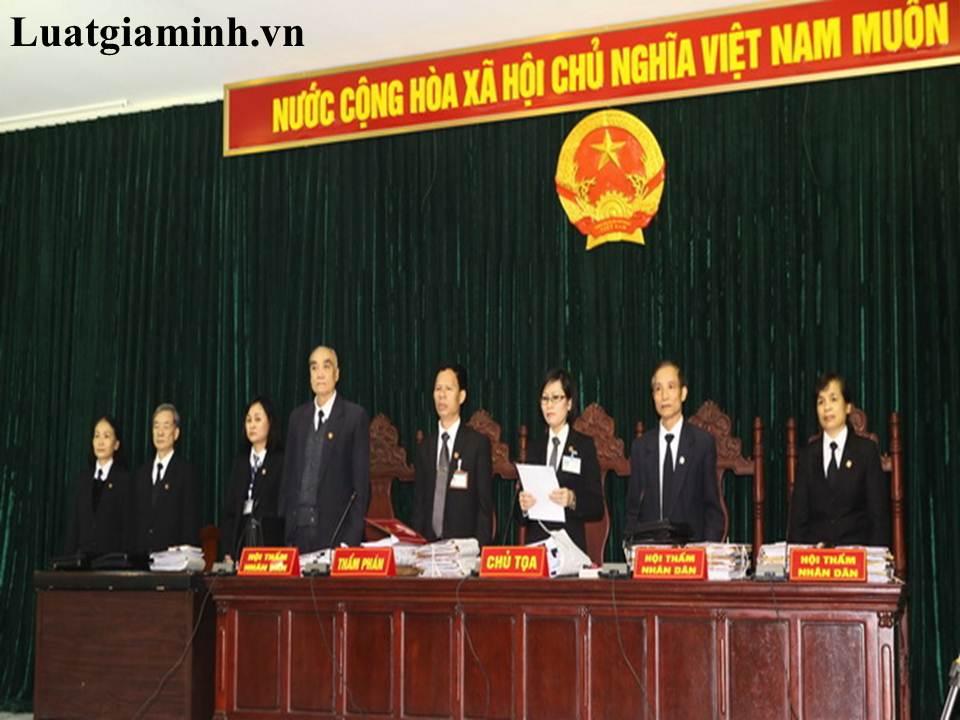 tim luat su gioi uy tin ve luat lao dong tai Quang Nam Da Nang..